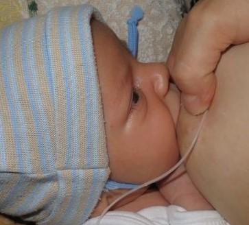 """""""Christina lactans"""": Egy tejével megédesült örökbefogadó anya története"""